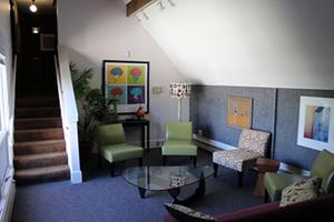 Empathos Lounge